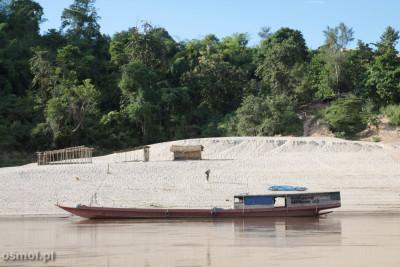 Barka transportowa na Mekongu