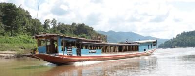 Łódź turystyczna na Mekongu