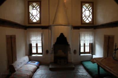 Gjirokastra pokoj w tradycyjnym domu