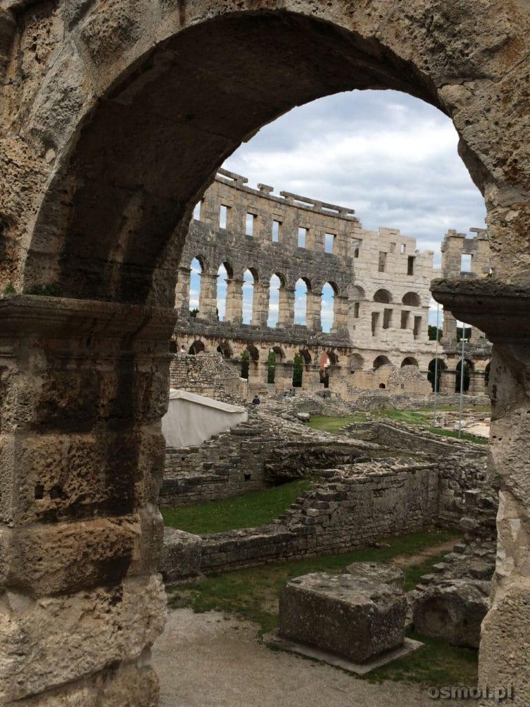 Łuk amfiteatru w chorwackiej Puli
