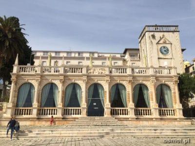 Hvar - loggia ktora jest jednym z większych zabytków miasta
