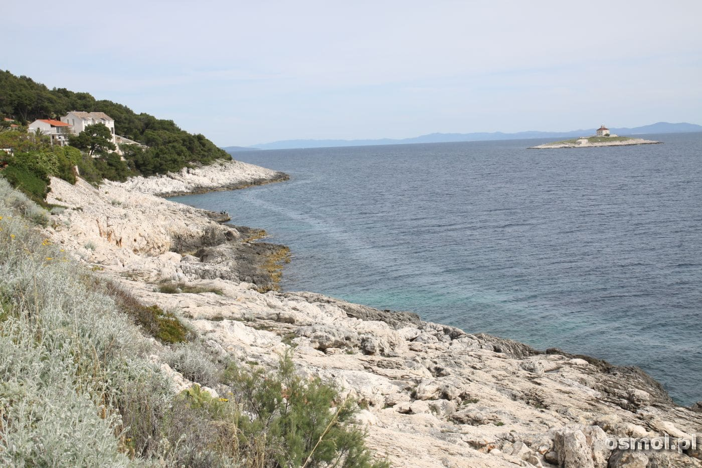 Plaża w chorwackim Hwarze to raczej kamienie niż piasek