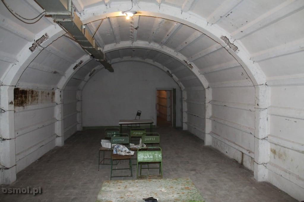 Sala lekcyjna w schronie przeciwatomowym
