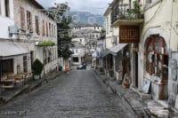Stara uliczka w Gjirokastrze