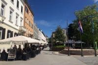 Ulica z kawiarniami w Puli