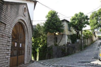 Uliczka w Gjirokastrze
