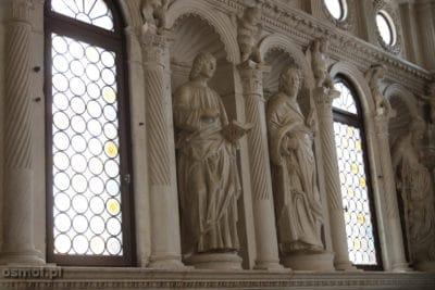 Katedra sw Wawrzynca w Trogirze rzezby