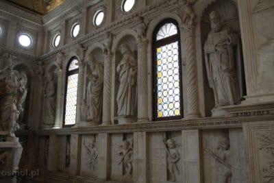 Rzezby w katedrze sw Wawrynca w Trogirze