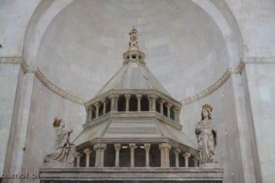 Trogir katdra zwienczenie oltarza