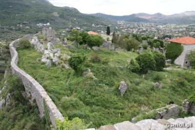 Widok z wieży na ruiny Baru