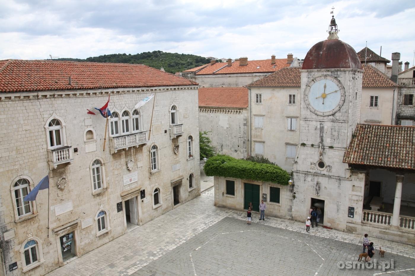 Trogir w Chorwacji. Plac Jana Pawłą II