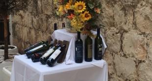 Wino przed jedną z restauracji w Chorwacji