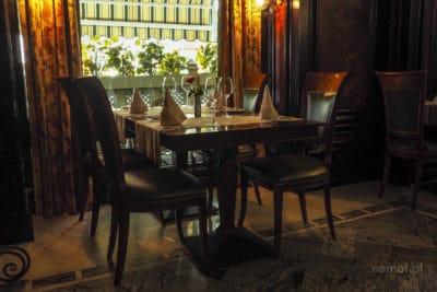 Stół w restauracji Szkocka we Lwowie