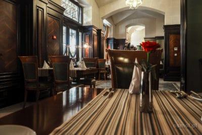 Wnętrze restauracji Szkocka