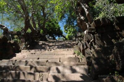 Schody do świątyni w Champasak
