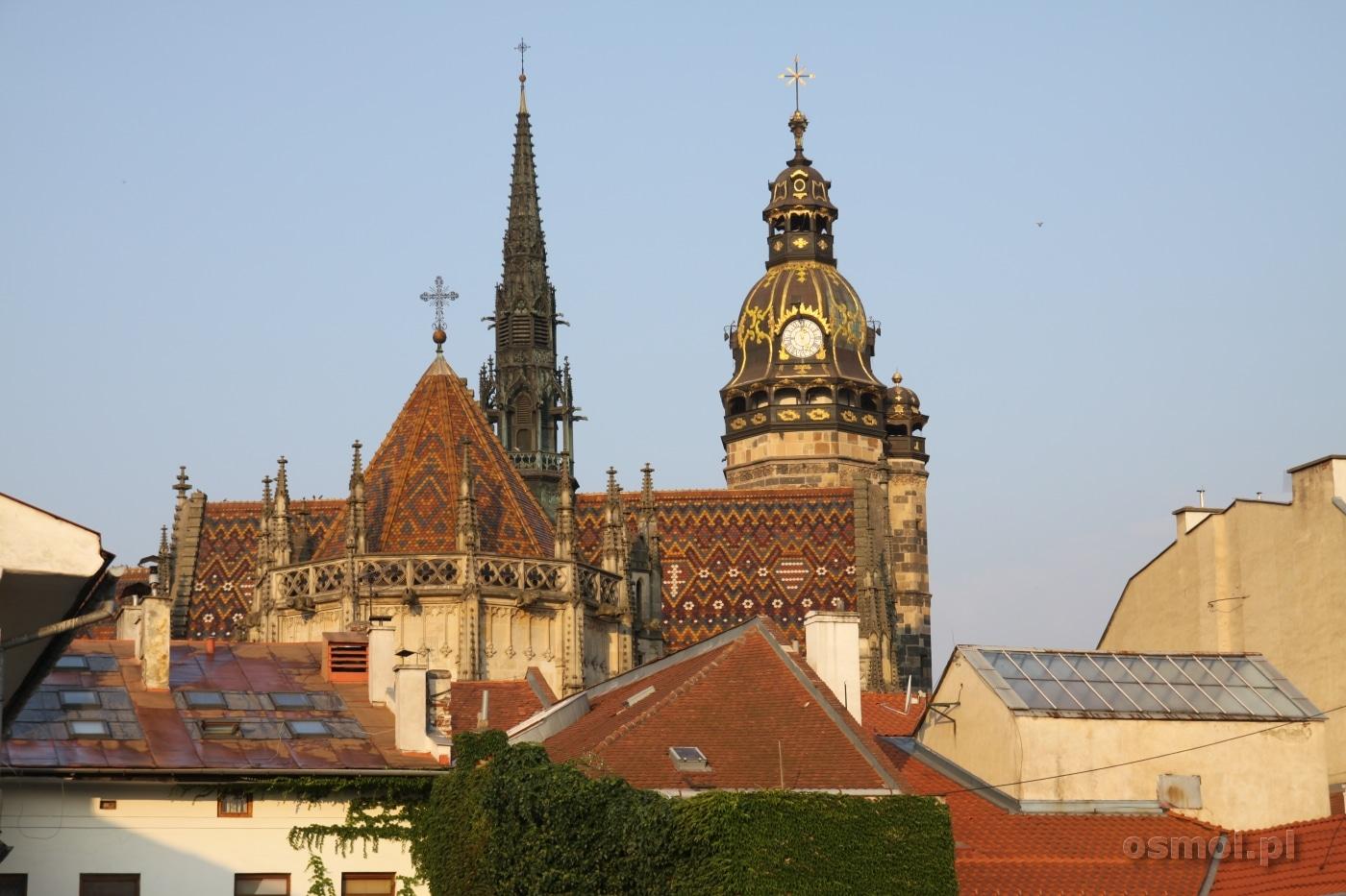 Dach katedry w Koszycach o poranku. Trzeba powiedzieć, że wygląda pięknie! Tak mało wiemy w Polsce o Słowacji, przez co nie doceniamy tego co pod nosem...