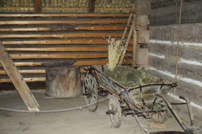 Sprzęty rolnicze w skansenie we Lwowie
