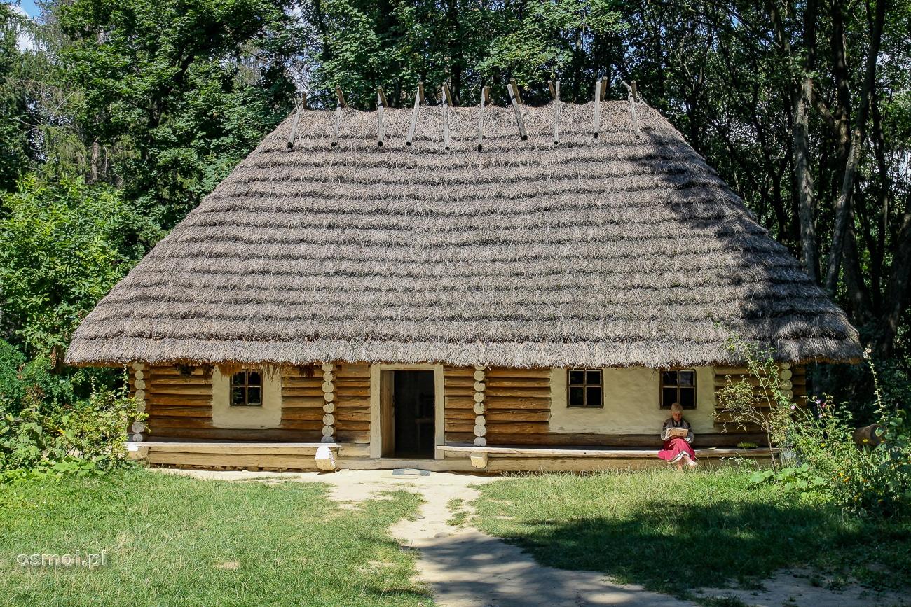 Rekonstrukcja starej chałupy w Gaju Szewczenki we Lwowie