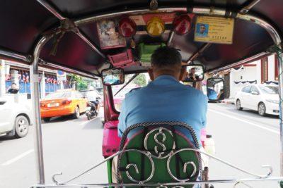 Kierowca tuk tuka w Bangkoku