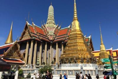 Złoto, dużo złota znajduje się w części świątnnej Pałącu Królewskiego w Bangkoku