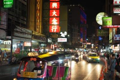 Yaowarat główna ulica China Town w Bangkoku