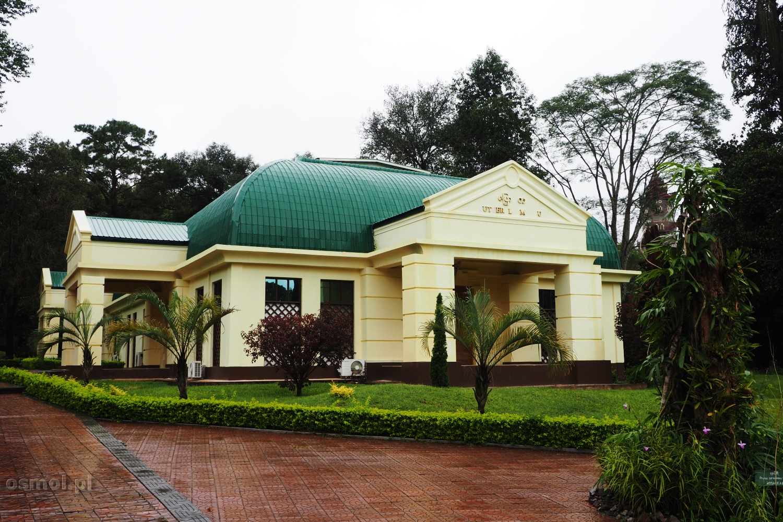 Budynek motylarium w ogrodzie botanicznym