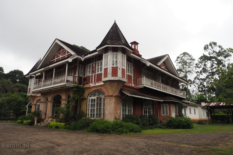 Dom kolonialny w Birmie po Brytyjczykach