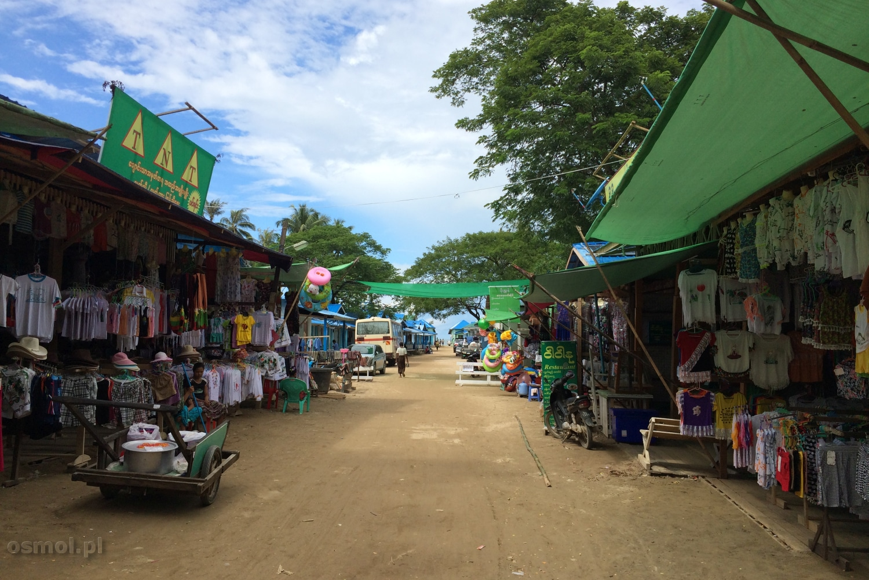 Targowisko blisko Chaung Tha