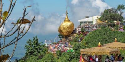 Złota skała w Birmie