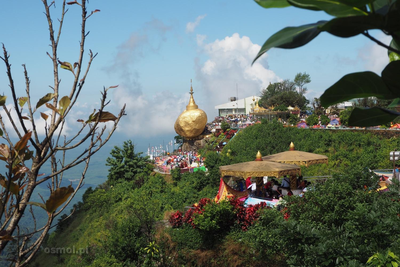 Widok na Złotą Skałę w Birmie