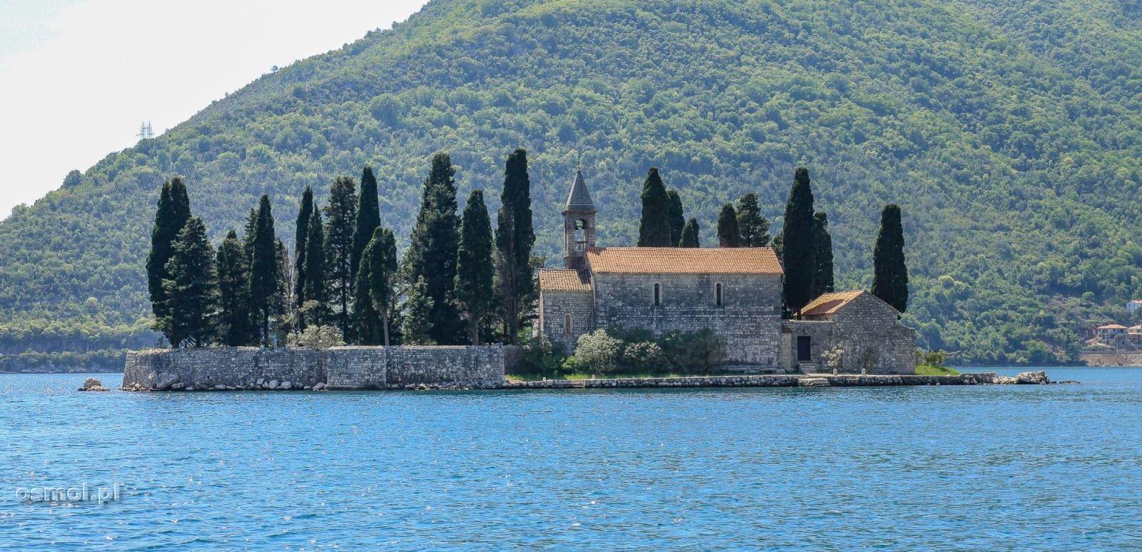 Kościółek na wyspie obok Perastu na wyspie św. Jerzego