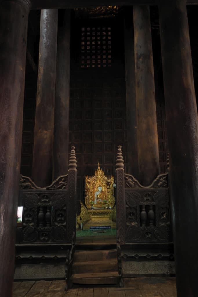 W klasztorze w Birmie