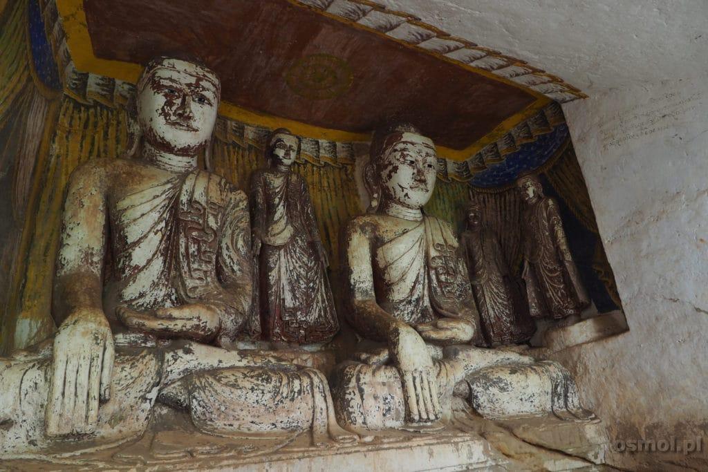 Rzeźby rozsiane na terenie Pho Win Daung