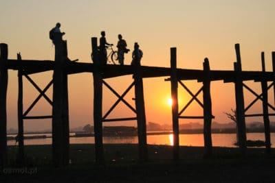 Zachód słońca most U Bein