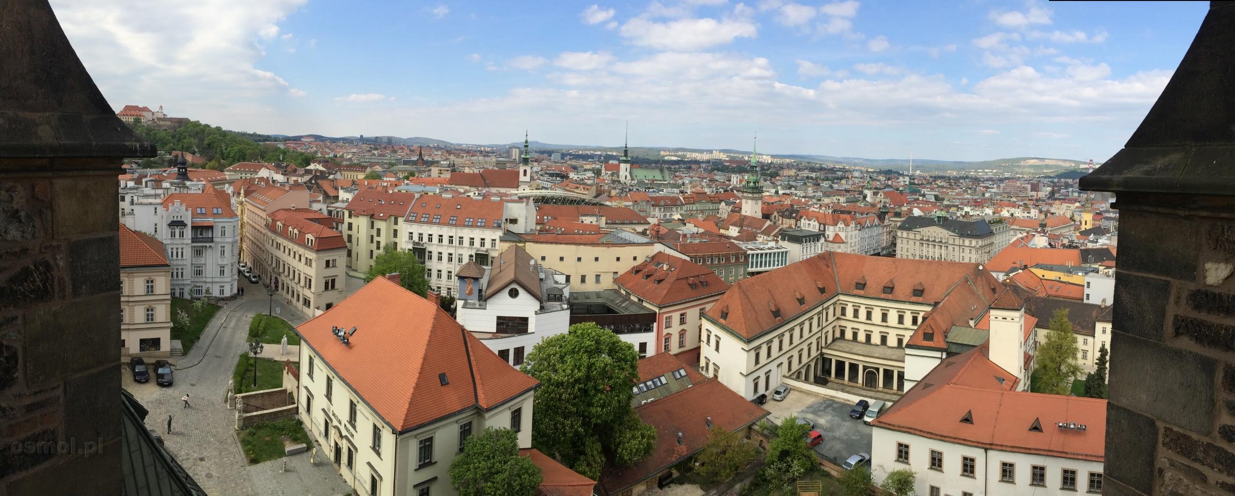 Panorama Brna widziana z kościoła św. Piotra i Pawła