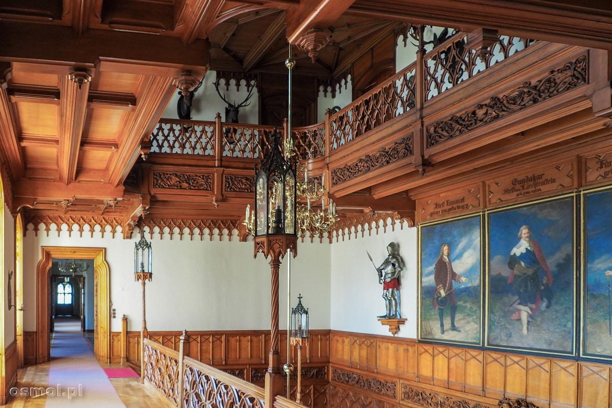 Ozdobna klatka schodowa pałacu w Lednicach