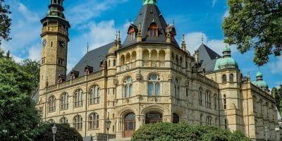 Liberec. Budynek Muzeum Czech Północnych