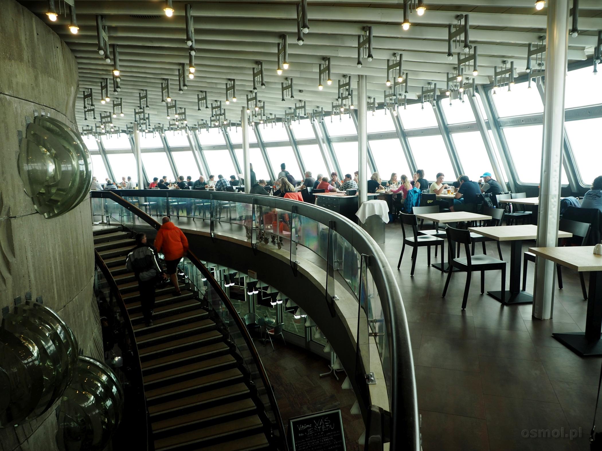 Kawiarnia i restauracja w hoteli Jested