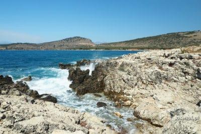 skaliste wybrzeże Ksamilu w Albanii