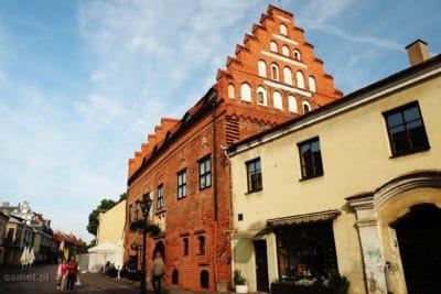 Stare budynki na deptaku w Kownie