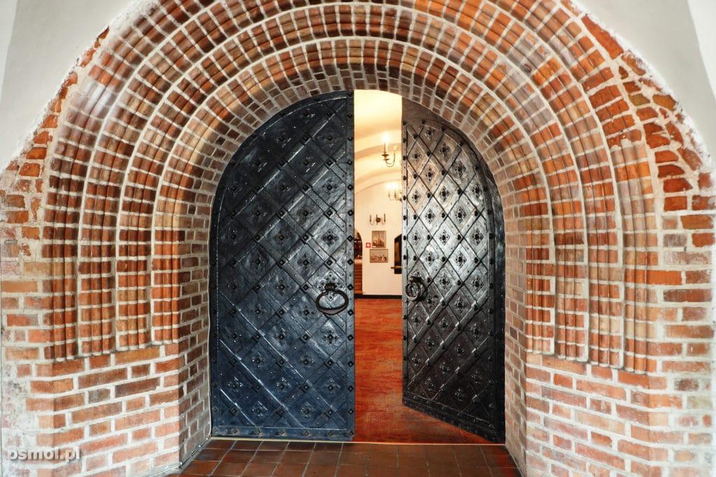 Kowno wejście do muzeum w Ratuszu