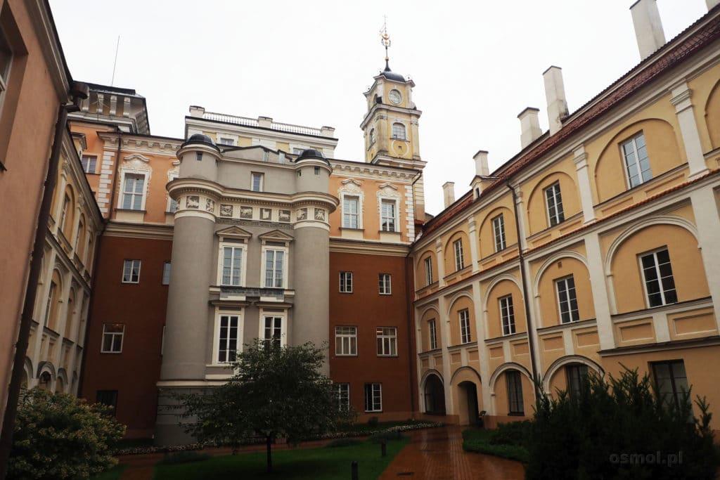 Dziedziniec uniwersytetu w Wilnie