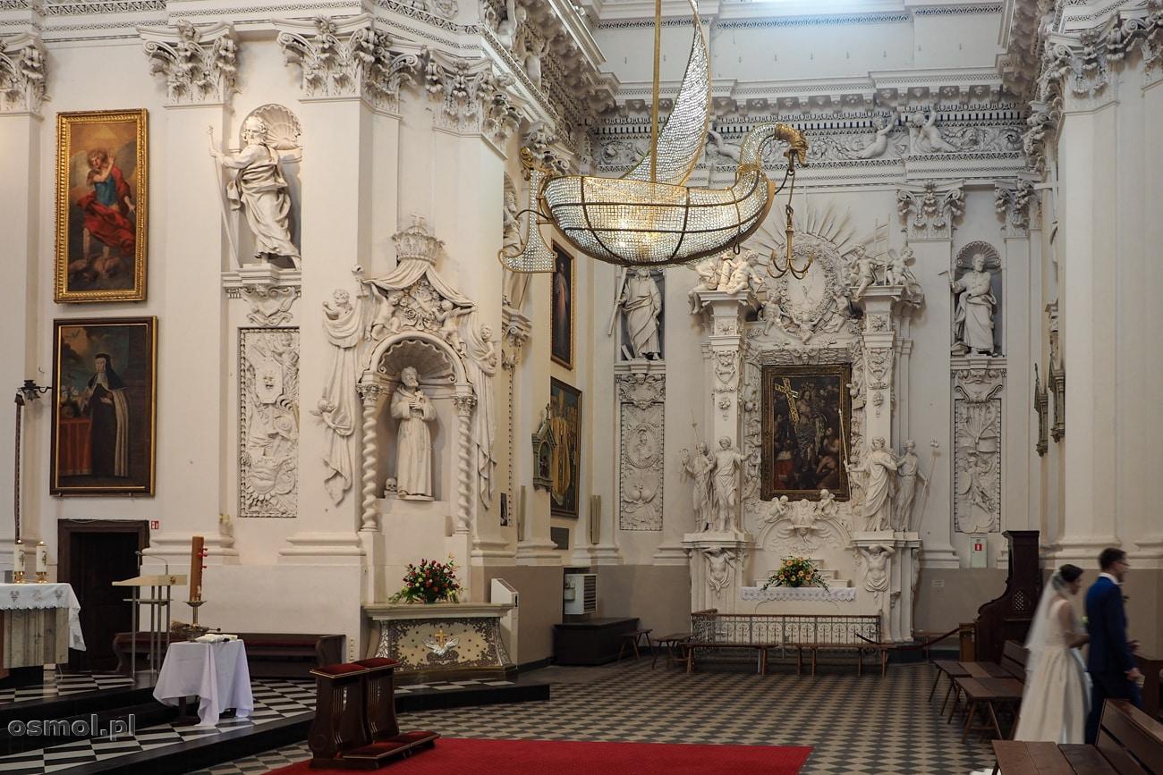 Kryształowa łódź w kościele św. Piotra i Pawła na Antokolu w Wilnie