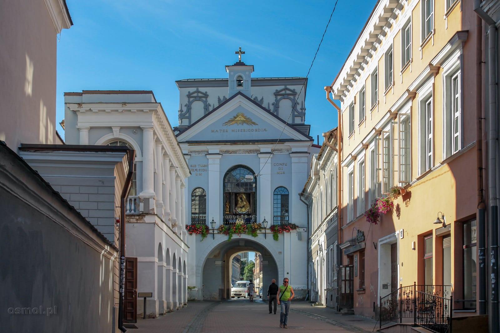 Widok na kaplice Matki Boskiej Ostrobramskiej w Wilnie