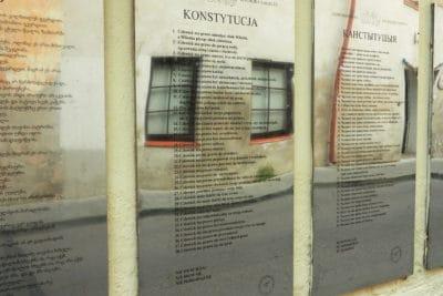 Konstytucja Zarzecza - tablica po polsku