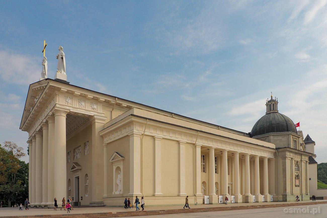 Katedra - niemy i wielokrotnie przebudowywany świadek wzlotów i upadków Wilna