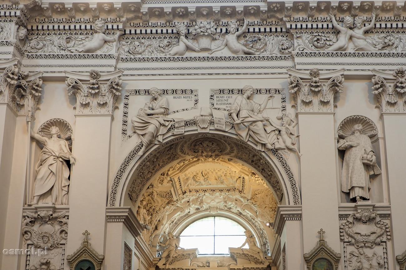 Zdobienia w kościele Apostołów św. Piotra i Pawła w Wilnie