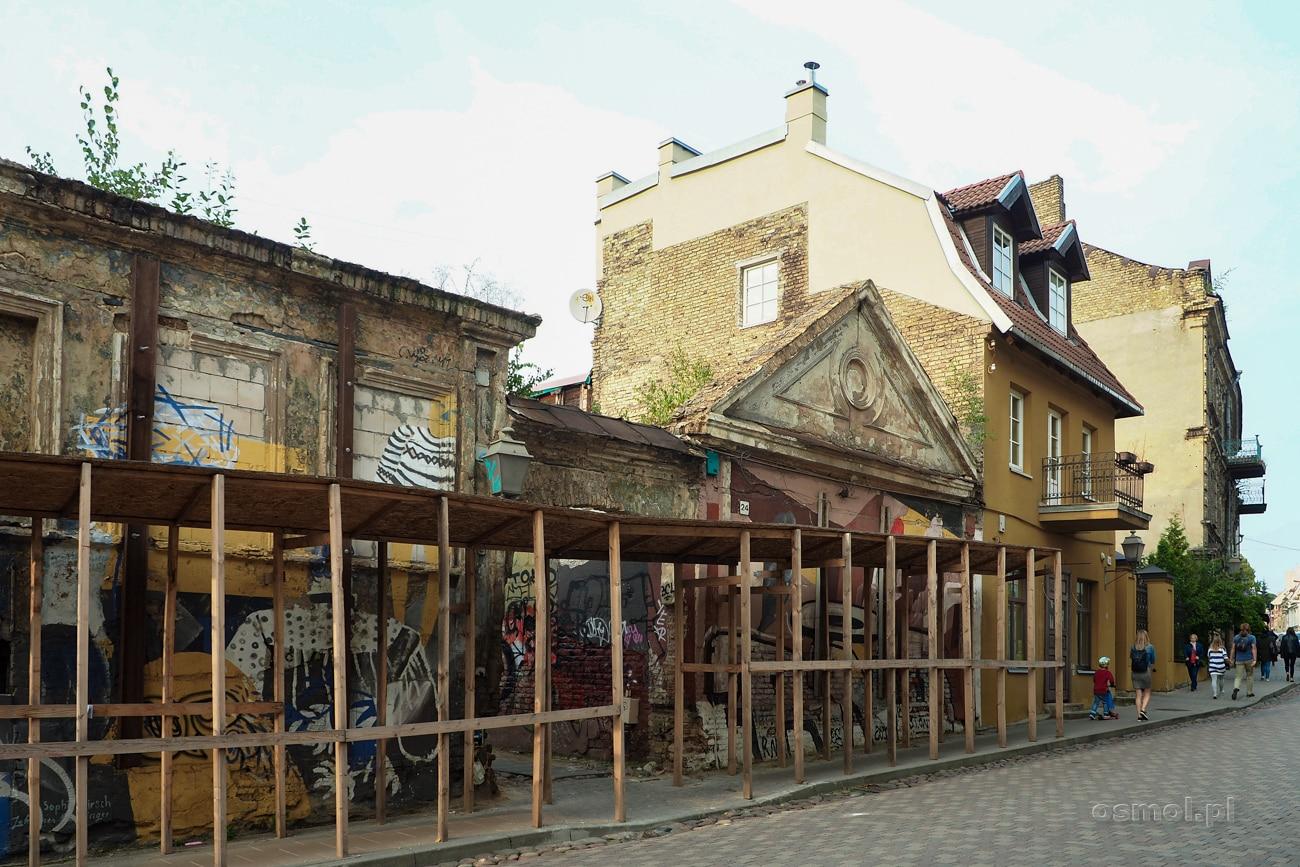 Stare budynki w Republice Zarzecza w Wilnie