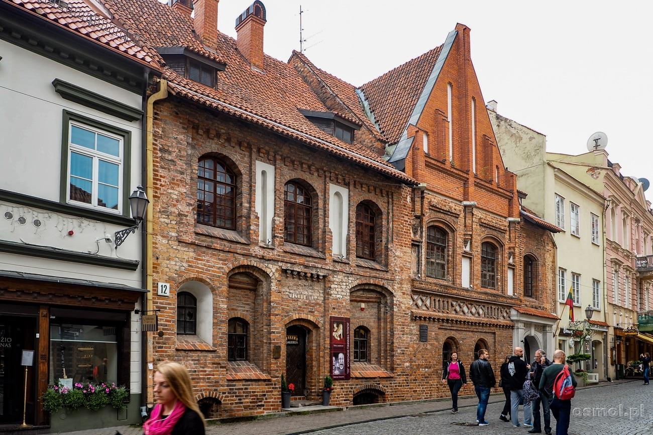 Wilno ulica Zamkowa - główny deptak miasta
