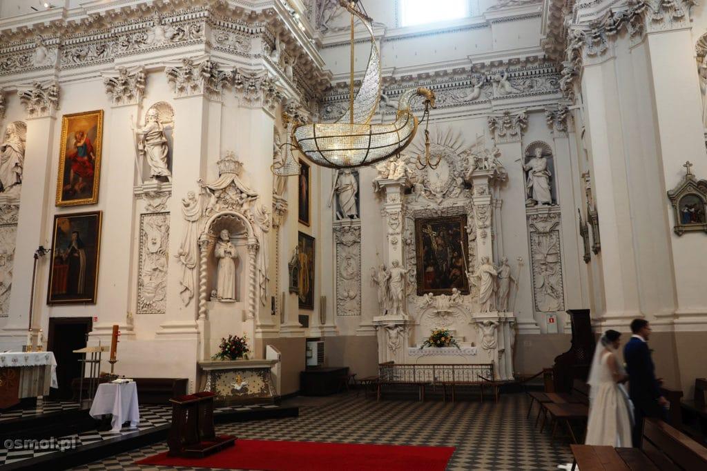 Kryształowa łódź w kościele na Antokolu w Wilnie